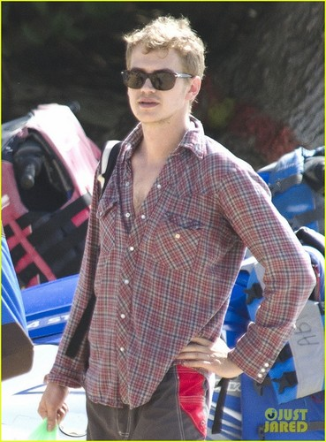 Hayden Christensen: Barbados Beach!