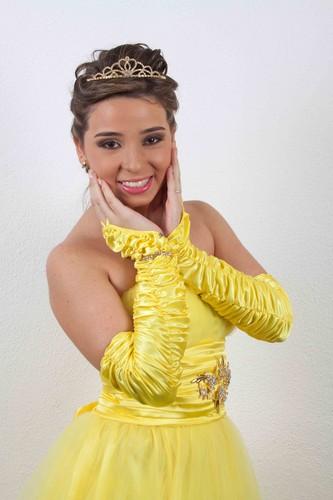 I in my yellow dress!