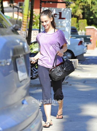 Jessica Lowndes out for lunch in West Hollywood, Nov 2 - jessica-lowndes Photo