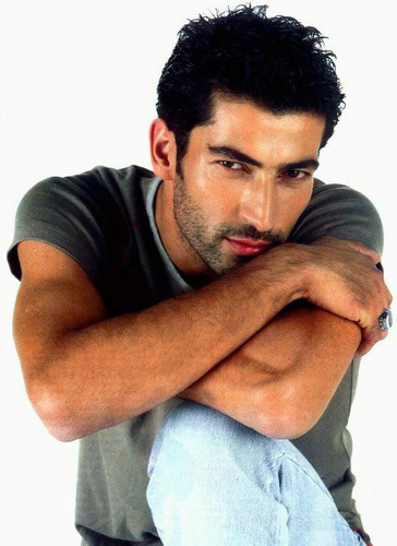 Turkish Actors and Actresses wallpaper titled Kenan İmirzalıoğlu