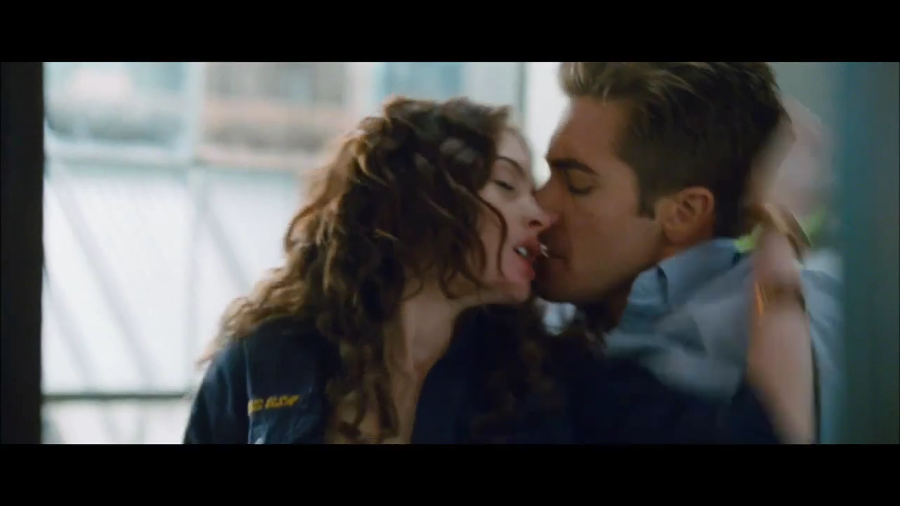 Love & Other Drugs [Official Trailer] - Love & Other Drugs Image ... Maggie Gyllenhaal