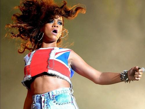 Lovely Rihanna karatasi la kupamba ukuta