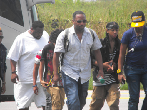 MB Getting Off the Tour Bus - mindless-behavior Photo
