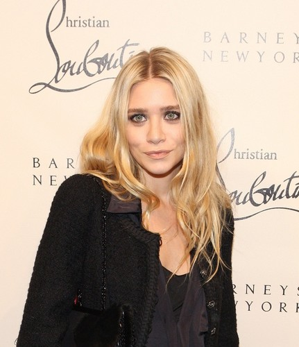 Mary-Kate & Ashley - attend the Louboutin Cocktail party at Barneys NY, 01. November 2011