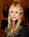 Mary-Kate -  attends the Take Home a Nude benefit at Sotheby's in NYC, 17. October 2011 - mary-kate-and-ashley-olsen photo