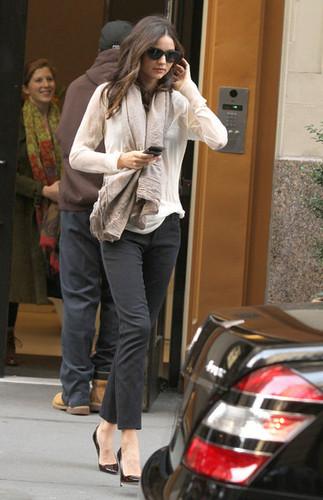 Miranda Kerr Leaving Her NYC Apartment
