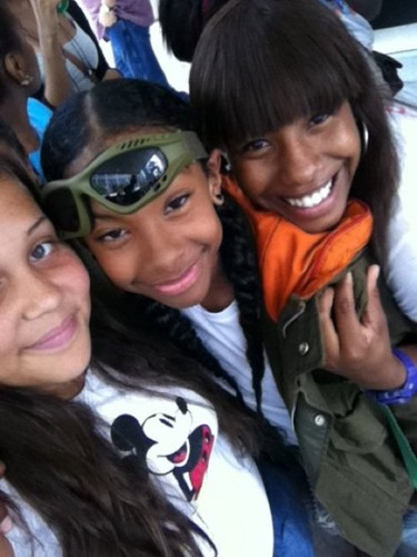 Ray With Mindless MB Fans