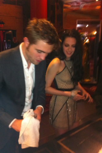 Rob & Kristen at Graumens Chinese Theater