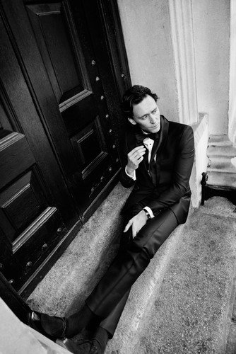 Tom Hiddleston por David Titlow for Esquire UK December 2011