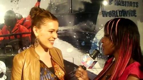 """アリッサ・ミラノ 壁紙 containing a portrait called Alyssa - Interview """"Stand Up For The Ocean"""" Benefit, October 29, 2011"""