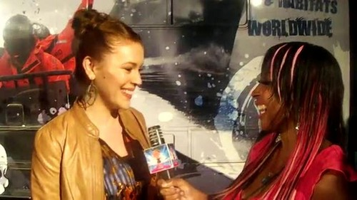 """アリッサ・ミラノ 壁紙 with a portrait titled Alyssa - Interview """"Stand Up For The Ocean"""" Benefit, October 29, 2011"""