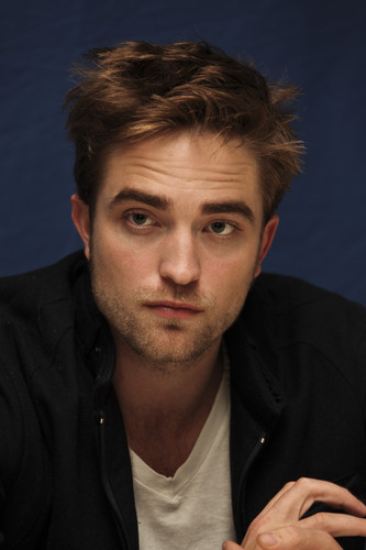 """Breaking Dawn"" Press Conference Portrait Session"