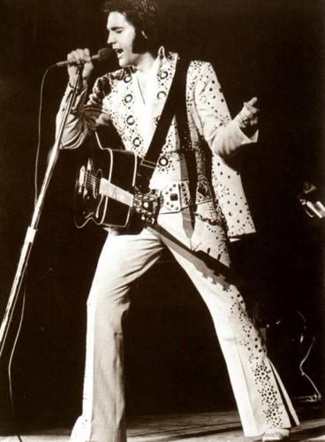 ☆ Elvis 1972