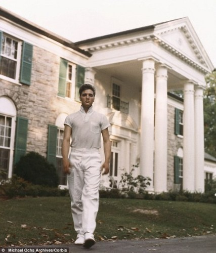 ☆ Elvis ~ home Sweet home 1957 Graceland