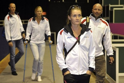 Petra Kvitova played well on crutches Fed Cup 2009