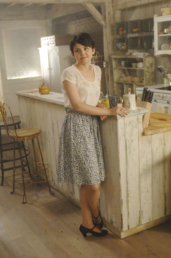 Mary Margaret Blanchard 1x05-snow-white-mary-margaret-blanchard-26693816-700-1053