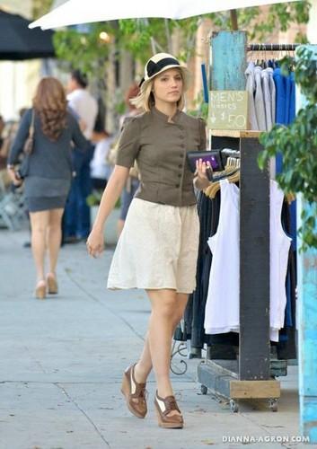 2011: Dianna Shops at Liberty