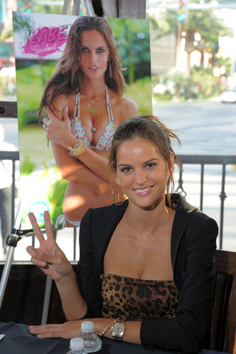 2011 SI swimsuit کا, سومساٹ Models At The Monte Carlo