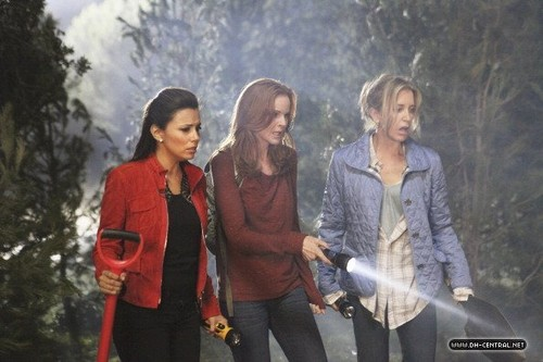 "8x06 ""Witch's Lament"""