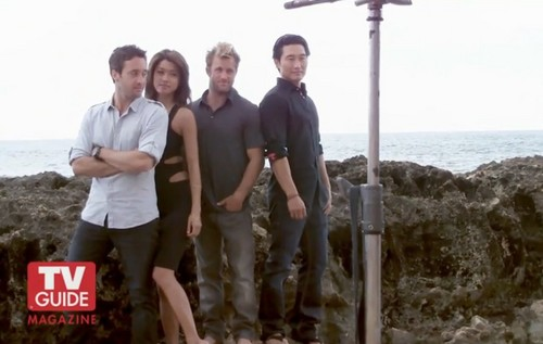 Steve and Kono kertas dinding containing a pantai house and a resort entitled Alex & Grace - Hawaii Five-0