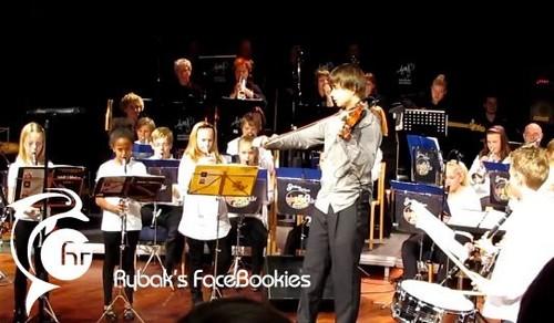 Alex at the anniversary concert of Gjerdrum School 6/11/2011 :)