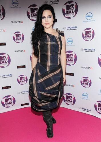 Amy @ EMAs [November 6th, 2011]!!!!