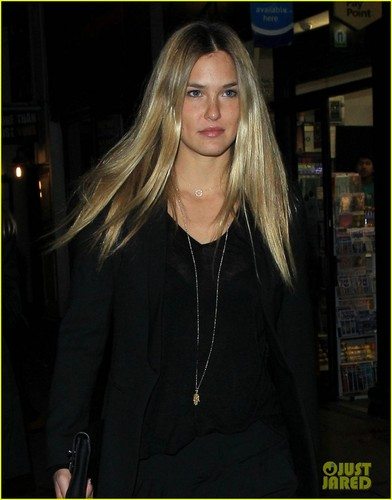Bar Refaeli: Boujis Babe in Londra