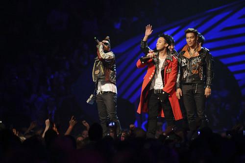 Big Bang @ এমটিভি ইউরোপ সঙ্গীত Awards