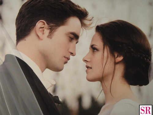 edward dan bella wallpaper probably containing a business suit titled Breaking Dawn wedding stills