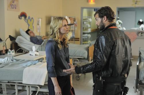Emma & Graham 1x03 Still