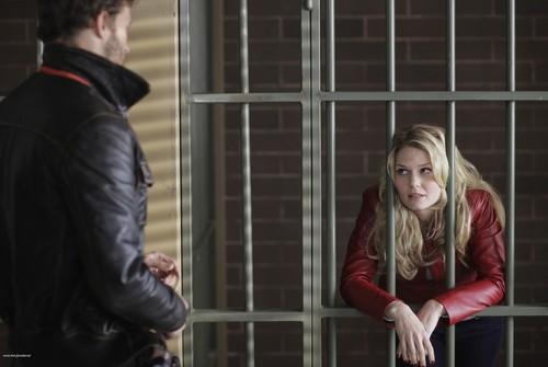 Emma & Graham Still 1x01