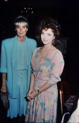 Emma Samms and Linda Evans