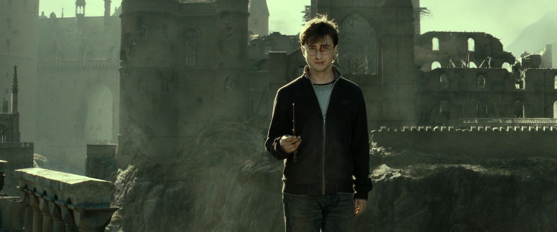 Hp dh part 2 harry james potter image 26622853 fanpop for Most powerful wand in harry potter