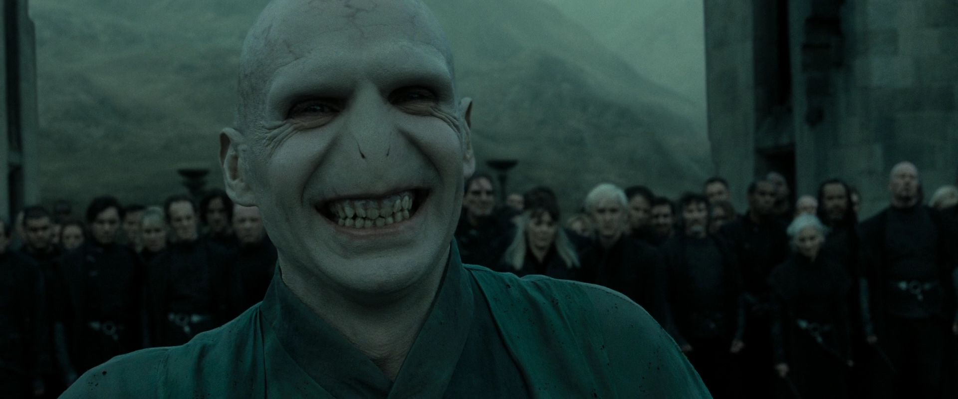 Topic à flood - Page 37 HP-DH-part-2-lord-voldemort-26625098-1920-800