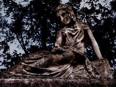 Hel Statue
