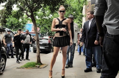 JLO - Visiting a dance studio In Buenos Aires Argentina