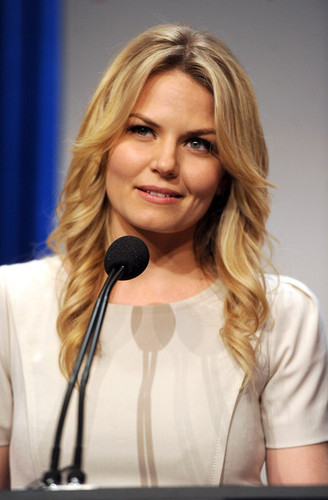Jennifer Morrison @ the People's Choice Awards 2012 Nominations Press Conference