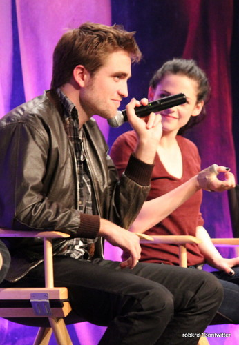 もっと見る Robsten Moments BD convention