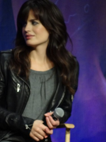 più pics of Elizabeth at The Official 'Breaking Dawn' Twilight Convention in L.A (Nov. 5)