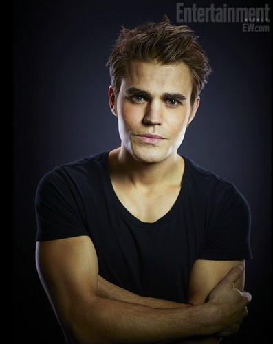 Vampire Diaries Hintergrund possibly containing a portrait entitled Paul Wesley hot!!!!!