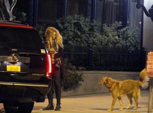 RYAN AND BLAKE LEAVING HIS APT. IN BOSTON (11/06/11)