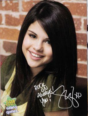 Selena..