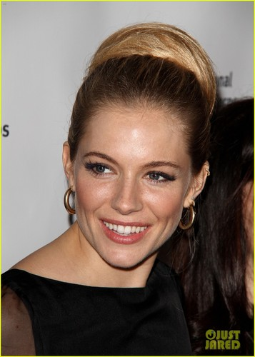 Sienna Miller: Medical Corps Awards Celebration!