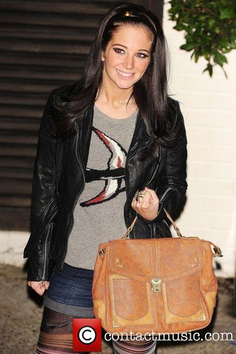 Tulisa leaving The fontana Studios