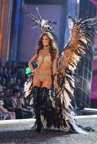 Victoria Secret Fashion Show - Runway