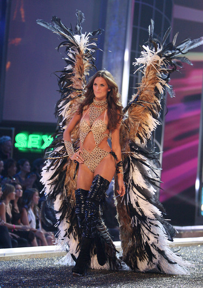 7853236aa7 Izabel Goulart images Victoria Secret Fashion Show - Runway wallpaper and  background photos