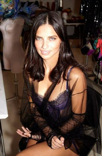 Victoria's Secret Fashion hiển thị Fitting - 2011