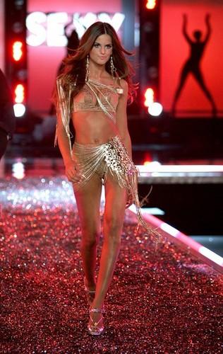 Victoria's Secret Fashion Show - Runway