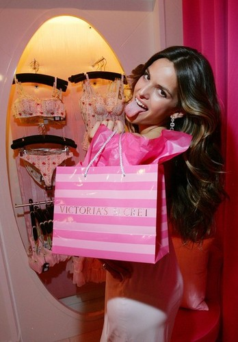 Victoria's Secret's Vegas Flagship Store Celebrates First Anniversary