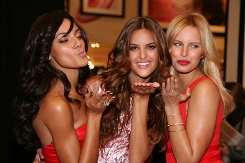 Victorias Secret Esquire Magazine Cover Signing